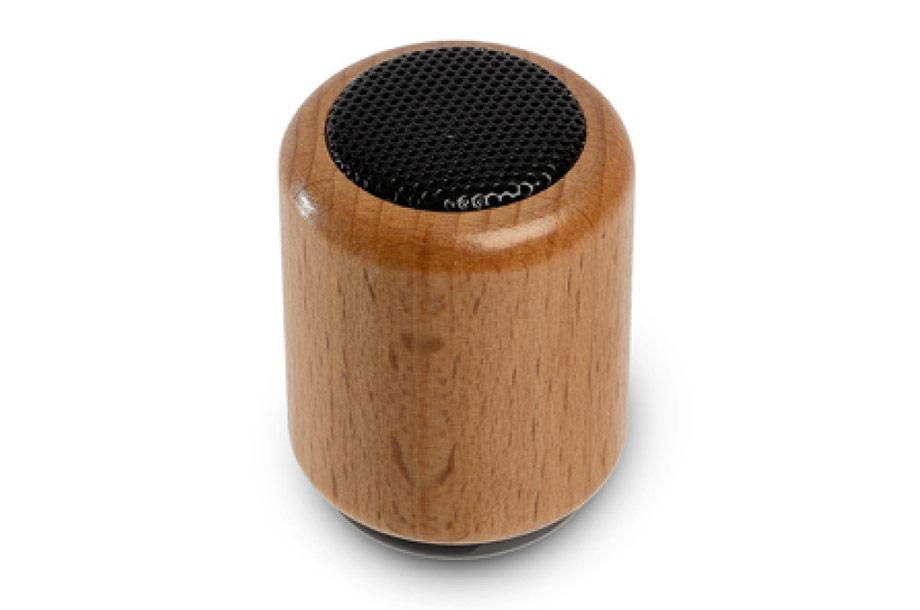 Bluetooth Lautsprecher aus Holz